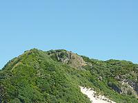 ハンミャ島の島肌 - 砂山のさらに上