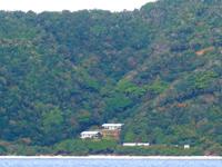 ノエビア与路島海洋センター/山の中の施設