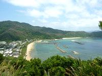 与路島の与路集落展望場所 - 与路集落と海の関係が望めます