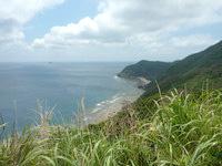 与路島のナブリュウ崎近くの浜 - 海はリーフもなさそうなので多分泳ぐのはNG