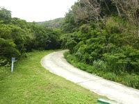 請島の大山登山口への道 - 途中に展望台もあり道はしっかり整備されています
