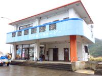 与路島の与路港/待合所 - 待合所はきちんとした施設