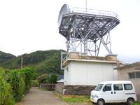 与路島の与路の集落/道/町並み - この棒はハブ対策用らしい