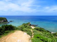 座間味島のチシ展望台 - まさにプライベートビーチですが降り方が・・・