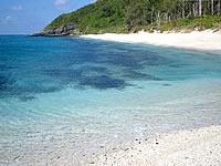 安室島近くの海の色