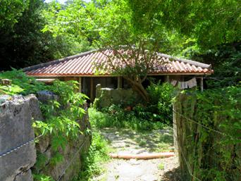 阿佐集落の家