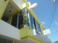 座間味島のレストラン ラ・トゥーク - 2階がお店らしい