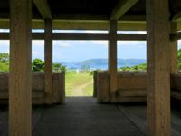 座間味島の高月山展望台 - 阿護の浦が一望できます