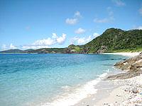 座間味島の東端の岬 - まさにプライベートビーチ