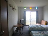 粟国島のプチホテルいさ - 客室は料金以上の快適さ