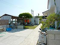 阿嘉島のサンサンビュー むとぅち/ムトゥチ - 庭はそこそこありました