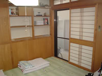 阿嘉島の民宿新城 - 部屋は基本的に和室です。ちなみにこの写真は食堂横の部屋です。