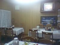 阿嘉島の民宿新城 - 食事はこの食堂でみんなで食べます。エアコンが常に効いている唯一の部屋です。