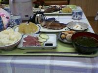 阿嘉島の民宿新城 - 食事は美味しくてボリューム満点。特にグルクンの唐揚げは最高でした。