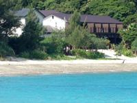奄美大島のネイティブシー奄美アダンオンザビーチ - まさに海まで数歩のレベル!