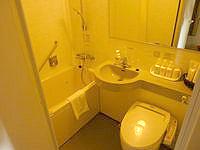 奄美大島のホテルウエストコート奄美 - 3点セットの水廻り