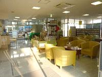 奄美大島のホテルビッグマリン奄美 - ロビーには様々な機能が詰まっています