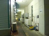 奄美大島のホテルビッグマリン奄美 - 洗濯機や乾燥機は1階の屋外