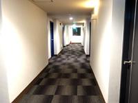 奄美大島の奄美ポートタワーホテル - 廊下は落ち着いた雰囲気になったかも