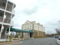 中部のベストウェスタン沖縄恩納ビーチ(旧:AJ恩納ビルリゾートホテル)恩納ビルリゾートホテル - レストランが併設されています