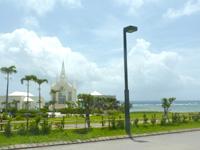 中部のホテル日航アリビラ・ヨミタンリゾート沖縄 - 海が望めるチャペルもあり