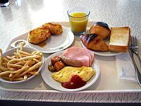 中部のザ・ビーチタワー沖縄 - 朝食バイキングは和と洋があります