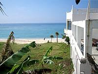 中部のコンドミニアムモリマーリゾートホテル - ホテルのすぐ先にはビーチがあります