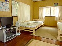 波照間島の素泊まりハウス美波 - 洋室の客室