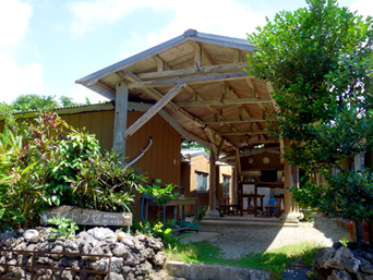 鳩間島のペンション マイトウゼ