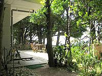 北部の貸別荘ふくぎハウス - 海側に小さなテラスがあります