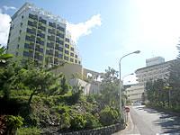 北部のスパリゾート エグゼス(沖縄かりゆしエグゼスリゾート&スパ・SPA RESORT EXES) - マリオットとオーシャンスパの間にあります
