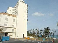 北部のホテルモントレ沖縄 スパ&リゾート - 海は目の前だけど建物が威圧的すぎる