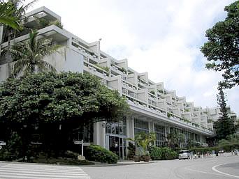 北部のムーンビーチパレスホテル