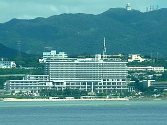 北部のホテルオリオンモトブリゾート&スパ(2014年7月開業)