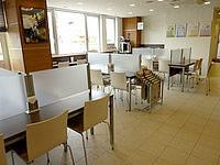 北部のスーパーホテル沖縄・名護 - 1階食堂&ロビー