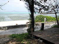 北部の海辺の宿ちゃんや〜 - 海辺にテラスもあります