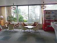 伊江島のホテルヒルトップ伊江島 - ロビーだとフリースポットでネット接続可能