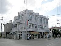 伊江島の民宿かりゆし - 1階がコインランドリーです