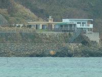 宮城島のペンション汐風 - 伊計島から見た宿周辺の様子