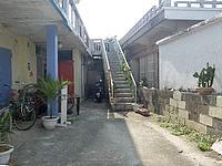 伊良部島のゲストハウス カサ・デ・アマカ/casa de hamaca - 小さいながらも庭というかテラス有り