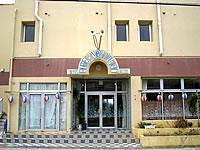 伊良部島のホテルニューいらぶ - 宿の入口