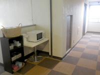 伊良部島のホテルサウスアイランド - 廊下には共用サービスがあります