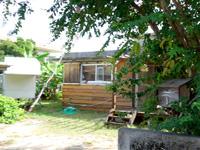 西表島の島宿Amayura/天響/あまゆら - 集落の1本裏通りにあります