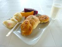 西表島の西表島ゲストハウス 島時間(旧あずま旅館) - サービスの朝食は良い感じ