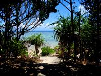西表島のまるま荘 - 庭から直接まるまビーチへ行ける口有り