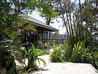 西表島のニライナリゾート&ヨットホリデイズ - テラスがとても心地よさそう