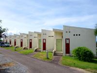 西表島のラ・ティーダ西表 - 温泉側にも客室があるがアパートみたい