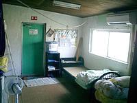 西表島の西表自然学校 - 部屋はこんな感じで、かなり質素です