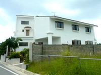 西表島のヴィラ西表/別館eco villa(旧わいるどふぁー夢) - 白い外観とバルコニーが特徴的 - 白い外観とバルコニーが特徴的