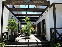 石垣島のココテラス(Coco Terrace) - ウッドデッキが良い感じ
